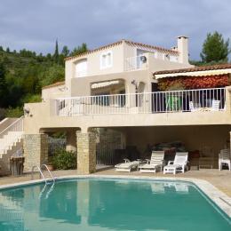 l'Escapade  maison indépendante 91 m2 vue mer 180° avec piscine piscine 9 x 12 avec vue panoramique sur la mer la Ciotat   grande terrasse 100m2 dont 40 couverts - Location de vacances - La Ciotat