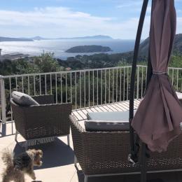 l'Escapade  maison indépendante 91 m2 vue mer 180° avec piscine piscine 9 x 12 avec vue panoramique sur la mer la Ciotat vue vers l'Est depuis la terrasse - Location de vacances - La Ciotat
