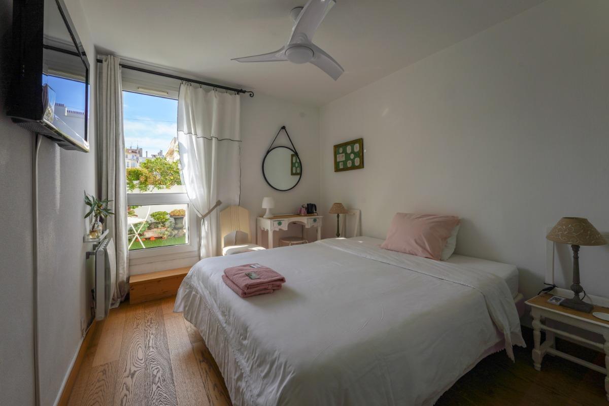 chambre ouverte sur terrasse - Chambre d'hôtes - Marseille