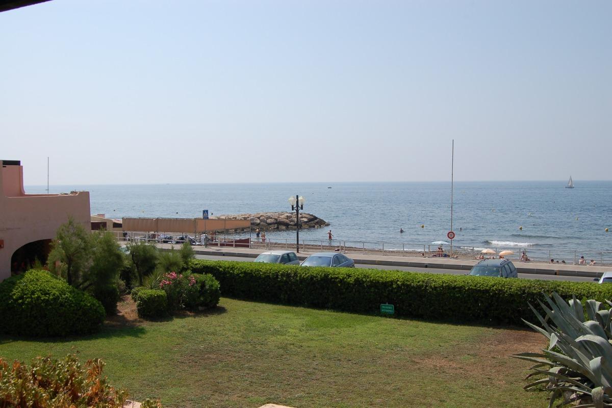 Façade depuis la plage - Location de vacances - Sausset-les-Pins
