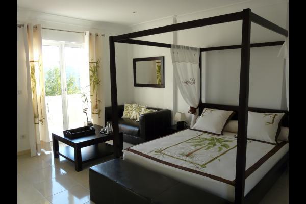 l'une de nos chambres double - Chambre d'hôtes - Ensuès-la-Redonne
