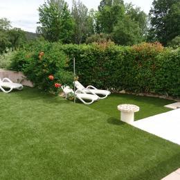 Le Cerisier, appartement 4 personnes plain pied maison, piscine couverte, Orgon, espace détente, solarium piscine - Location de vacances - Orgon