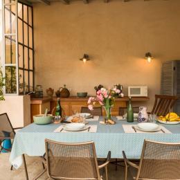 Salon extérieur - Location de vacances - Port-Saint-Louis-du-Rhône