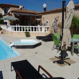 la maison, piscine, jacuzzi et jardin - Location de vacances - Gignac-la-Nerthe