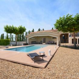 Le Pré des Alpilles-Arles  Villa, jardin, piscine privée - Location de vacances - Arles