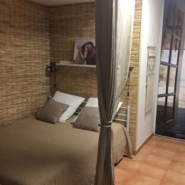 Chambrette : lit 140 x 190 - Location de vacances - Saintes-Maries-de-la-Mer
