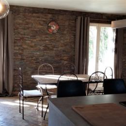 Séjour 50 m² - Location de vacances - Arles