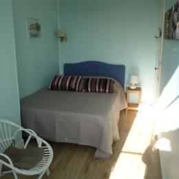 L chambre de l'appartement Bellevue - Location de vacances - Villers-sur-Mer