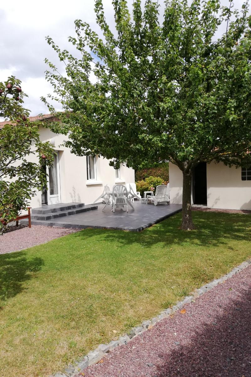 Terrasse côté sejour - Location de vacances - Merville-Franceville-Plage