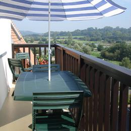 Balcon avec vue sur l'île aux oiseaux et la campagne du pays d'auge - Location de vacances - Villers-sur-Mer