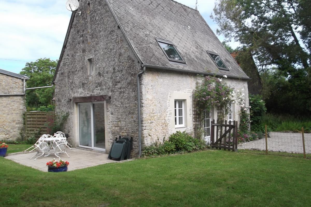 Le jardin et la terrasse - Location de vacances - Asnières-en-Bessin