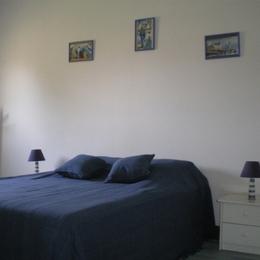 chambre lit de 140 - Location de vacances - Sainte-Honorine-des-Pertes