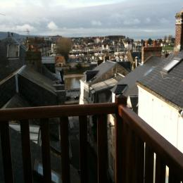 Terrasse vue sur les toits,Deauville et la mer - Location de vacances - Trouville-sur-Mer
