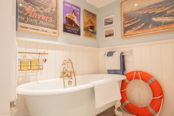 Salle de bain Saint Exupery  - Chambre d'hôtes - La Cambe