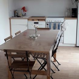 La cuisine - salle à manger - Location de vacances - Bernières-sur-Mer
