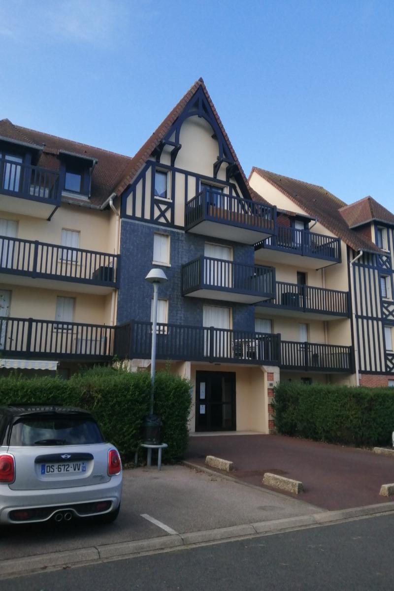 entrée de l'immeuble  - Location de vacances - Cabourg