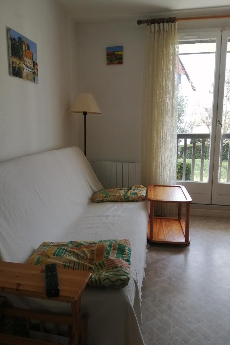 séjour avec balcon - Location de vacances - Cabourg