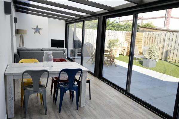 Spacieuse véranda (séjour-salon) - Location de vacances - Cabourg