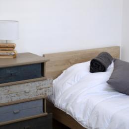 Chambre 2 lits 90 et sa salle d'eau - Location de vacances - Cabourg