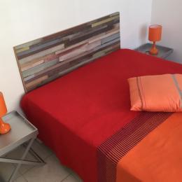 Chambre orange - Location de vacances - Ouistreham