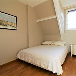 La chambre du niveau bas du duplex - Location de vacances - Deauville