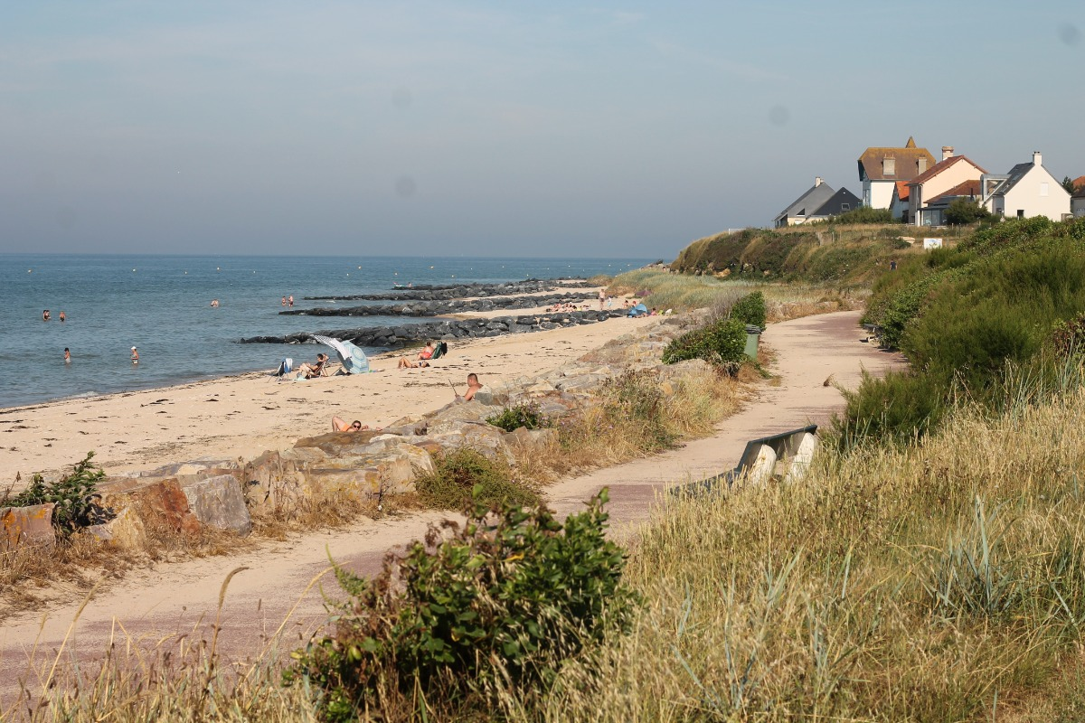 Superbe plage Juno Beach au pied de la résidence. Chemin piétonnier. Dunes protégées. - Location de vacances - Bernières-sur-Mer