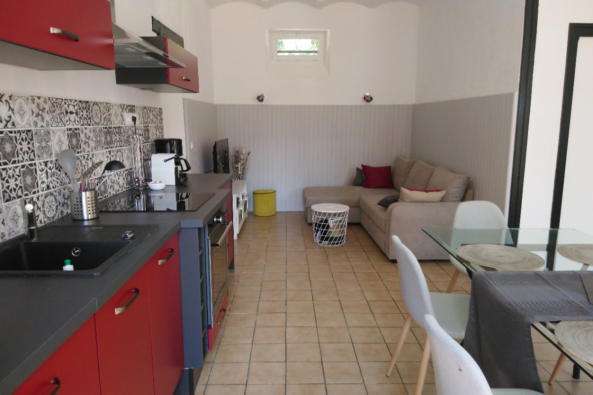 vue cuisine/salon - Location de vacances - Formigny La Bataille