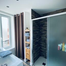 Salle d'eau 1er étage - Location de vacances - Grandcamp-Maisy