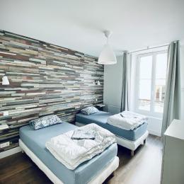 Chambre 2 avec 2 lits 90x190 au 1er étage - Location de vacances - Grandcamp-Maisy