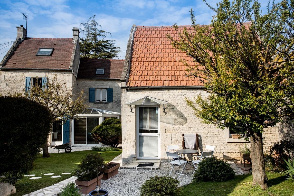 La terrasse plein Sud - Chambre d'hôtes - Périers-sur-le-Dan