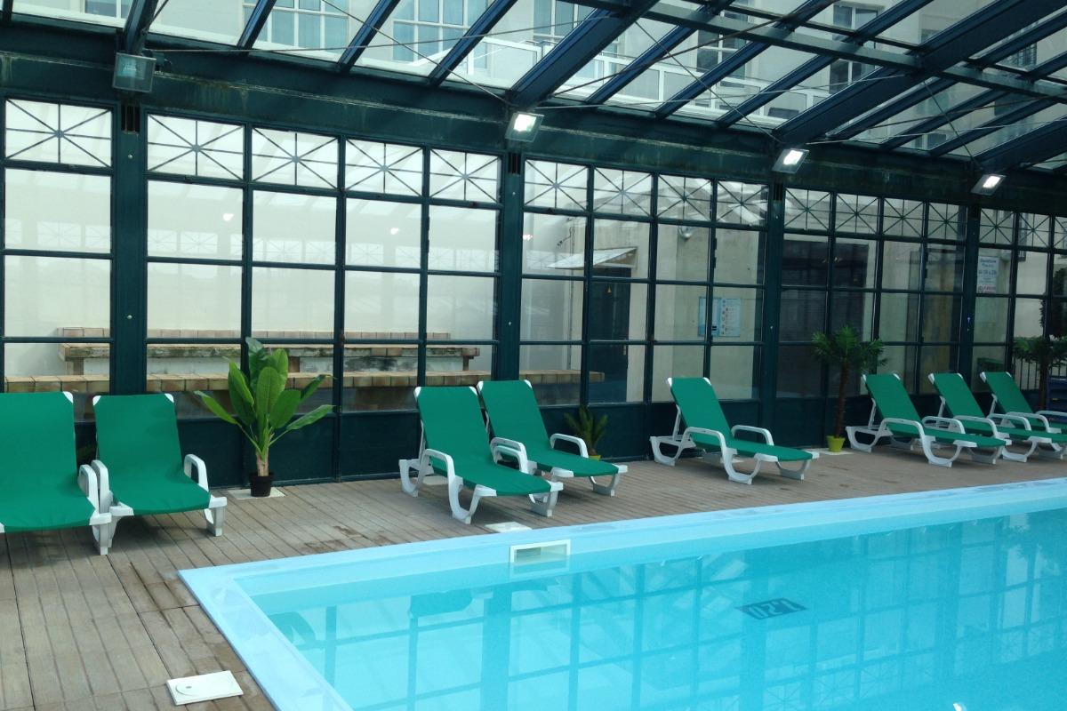 Grance piscine couverte et chauffée - Location de vacances - Trouville-sur-Mer