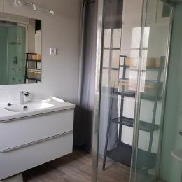 salle de bain - Location de vacances - Reviers