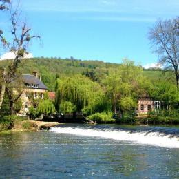VUE MOULIN DU VEY DE L'AUTRE RIVE - Location de vacances - Clécy