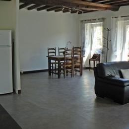 SALON/CUISINE GITE 6 PERSONNES MOULIN DU VEY - Location de vacances - Clécy
