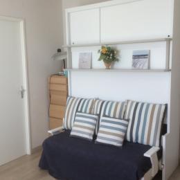 Meuble lit / canapé ( descente et monté électrique ) - Location de vacances - Cabourg