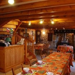 salle à manger - Chambre d'hôtes - Fridefont