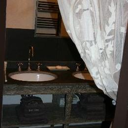 - Chambre d'hôtes - Laveissière