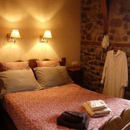 chambre double - Chambre d'hôte - Champs-sur-Tarentaine-Marchal