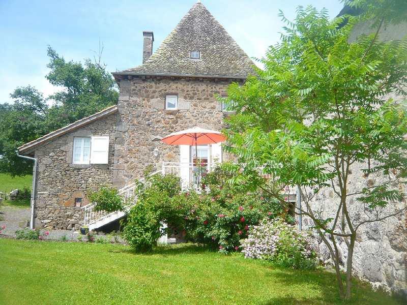 gite La Maison de Jeanne cantal - Location de vacances - Jussac