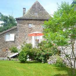 gite La Maison de Jeanne cantal - Location de vacances -