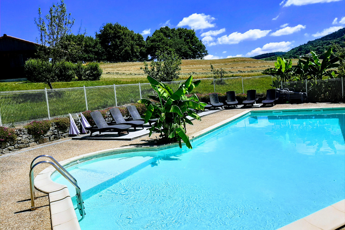 piscine panoramique - Location de vacances - Junhac