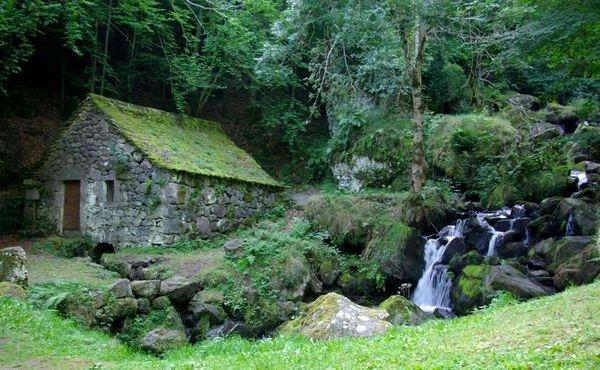 La cascade et le moulin de Chambeuil