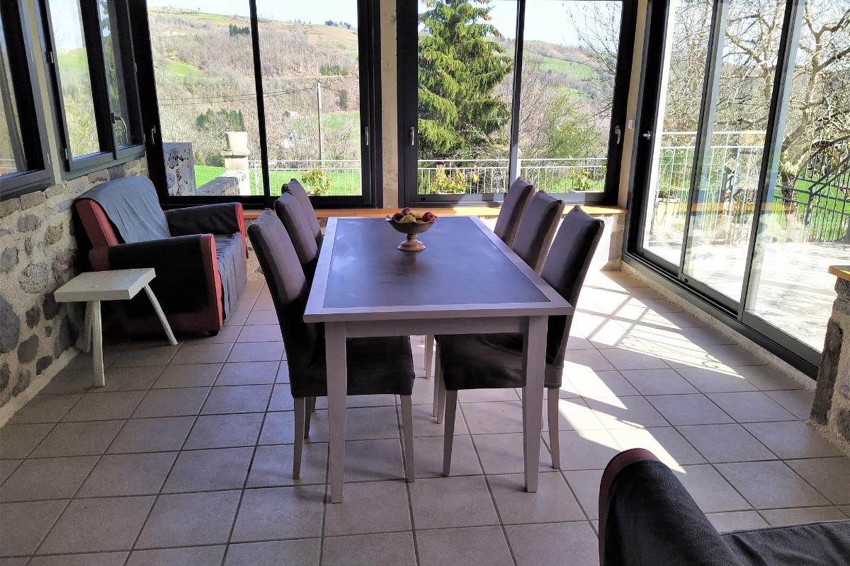 La maison avec la nouvelle véranda - Location de vacances - Jou-sous-Monjou