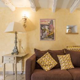 coin détente, salon au gite Le Fournil - Location de vacances - Jussac