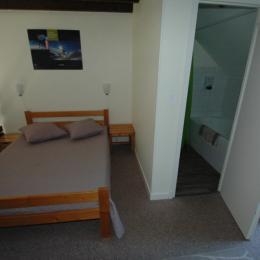 mezzanine avec SDB baignoire - Location de vacances - Saint-Jacques-des-Blats