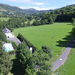 Salle bain avec baignoire - Location de vacances - Saint-Jacques-des-Blats