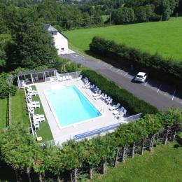La Grange du Devezou et sa piscine - Location de vacances - Saint-Jacques-des-Blats