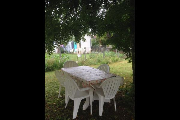 salon jardin - Location de vacances - Lafeuillade-en-Vézie