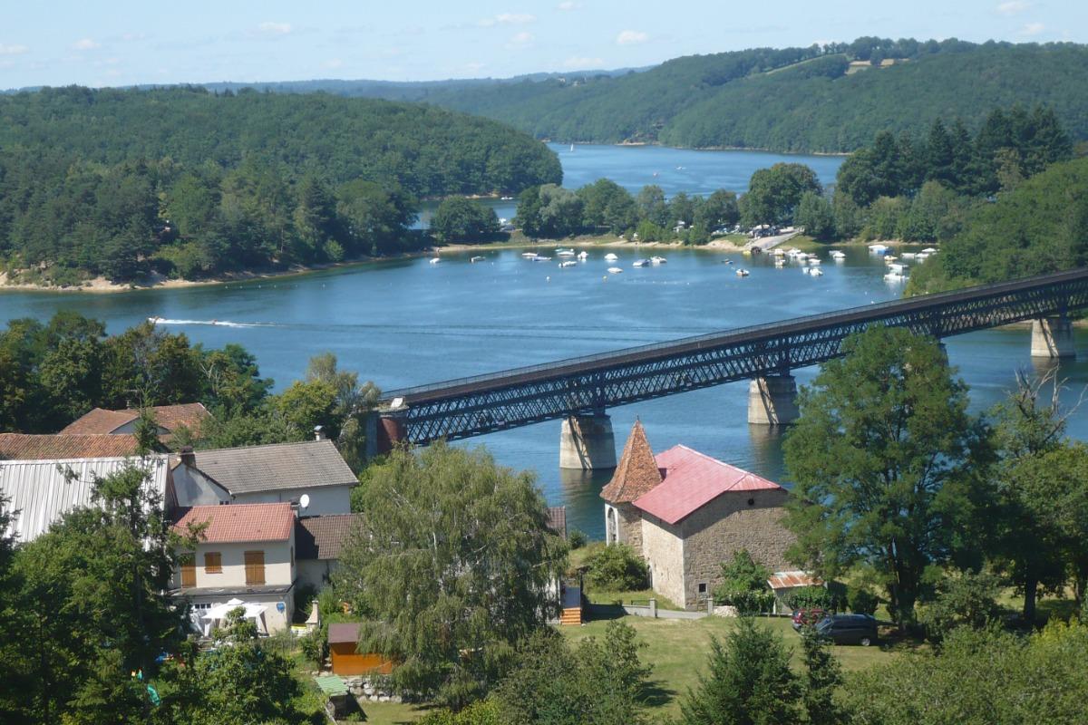---prés d'un lac - Location de vacances - Omps