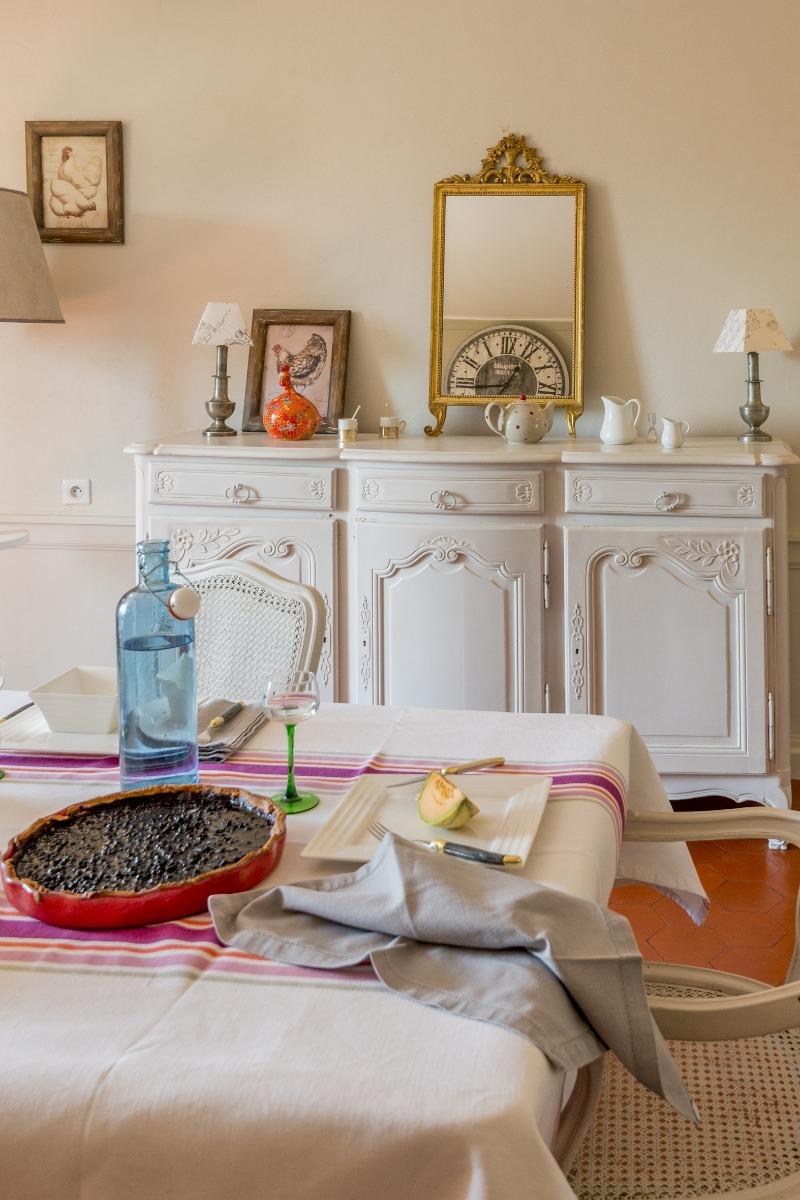 Pièce de vie pour les repas en famille ou entre amis - Location de vacances - Jussac
